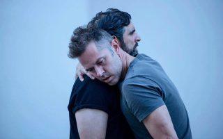 Ο Χρήστος Λούλης και ο Γιώργος Γάλλος στη «Μήδεια», σε σκηνοθεσία Δ. Καραντζά.