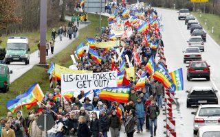 Απροσδόκητο σύμμαχο στο πρόσωπο του Μάρτιν Σουλτς βρήκαν οι διαδηλωτές που ζητούν αποχώρηση των αμερικανικών πυρηνικών.