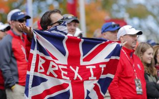 Ολο και περισσότεροι Ευρωπαίοι εγκαταλείπουν τη Γηραιά Αλβιώνα από τον φόβο του Brexit.