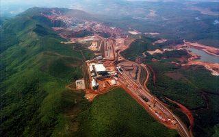 Πλούσια σε κοιτάσματα μετάλλων είναι η χώρα. Στη φωτογραφία, το ορυχείο σιδήρου στο Μπρακούτου της επαρχίας Μίνας Γκερέις.