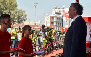 Στους «εορτασμούς» για τον βομβαρδισμό της Τηλλυρίας ο Ακιντζί. (Φωτογραφία από Καθημερινή Κύπρου).