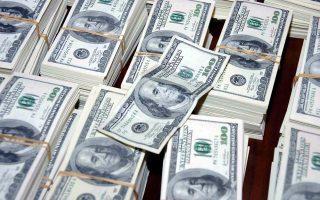 pos-to-amerikaniko-dolario-epireazetai-apo-tis-geopolitikes-kriseis0