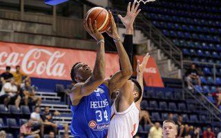 Ο Αντετοκούνμπο θα δει από την τηλεόραση τελικώς το Ευρωμπάσκετ και την Εθνική ομάδα, η οποία στρέφεται από αύριο στην πρόβα τζενεράλε για το Ευρωμπάσκετ, το τουρνουά Ακρόπολις.