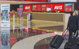 Η Avis διαθέτει στόλο 31.000 αυτοκινήτων και δίκτυο με 80 σταθμούς ενοικίασης σε όλη την Ελλάδα.