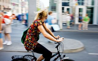 Δεν υπάρχει καλύτερος τρόπος να γνωρίσετε την πόλη από το να τη γυρίσετε με ποδήλατο. (Φωτογραφία: GETTY IMAGES/IDEAL IMAGE)
