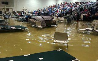Πλημμυρισμένο καταφύγιο πλημμυροπαθών στο Πορτ Αρθουρ.