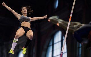 Η ολυμπιονίκης του επί κοντώ πέρασε πάνω από τα 4,75 και έγινε η πρώτη Ελληνίδα αθλήτρια του στίβου που μένει στην κορυφή για τόσο μεγάλο χρονικό διάστημα.