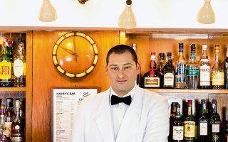 Το κοκτέιλ Bellini ξεκίνησε από το Harry's bar στη Βενετία . (φωτό: Διονύσης Κουρής)