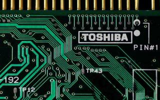 Η Apple συμμετέχει σε κοινοπραξία με την Bain Capital και έχει καταθέσει προσφορά περίπου 18 δισ. δολαρίων για την απόκτηση της μονάδας κατασκευής καρτών μνήμης της Toshiba.