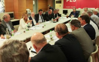 H πρόεδρος του ΠΑΣΟΚ και επικεφαλής της Δημοκρατικής Συμπαράταξης Φώφη Γεννηματά συναντήθηκε χθες με εκπροσώπους των κοινωνικών εταίρων.