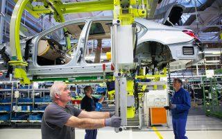 Σύμφωνα με το γερμανικό υπουργείο Οικονομικών, το εμπορικό πλεόνασμα μειώθηκε περίπου στο 2% του γερμανικού ΑΕΠ το περασμένο έτος έναντι 4% το 2015.