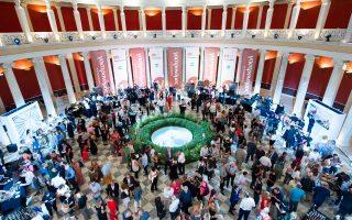 Κατάμεστο το περιστύλιο του Ζαππείου για τα Βραβεία Ποιότητας του «Γαστρονόμου» της «Κ», τη μεγάλη γιορτή της Ελλάδας που παράγει και δημιουργεί.