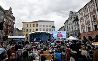 Η Αγκελα Μέρκελ σε εκδήλωση χθες στην πόλη Ρόζενχαϊμ. Η Μέρκελ απέρριψε την πρόταση του Μάρτιν Σουλτς για δεύτερο ντιμπέιτ.