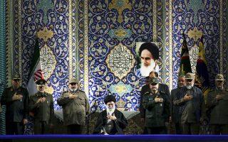 Ο ανώτατος ηγέτης του Ιράν, Αλί Χαμενεΐ, σε παλαιότερη ομιλία του στο μαυσωλείο του Αγιατολάχ Χομεϊνί, στην Τεχεράνη.