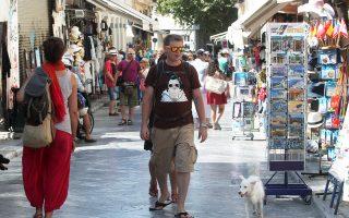 Πολλοί Τούρκοι με φιλελεύθερο τρόπο ζωής ταξιδεύουν στην Ελλάδα, θέλοντας να ξεφύγουν έστω και για λίγο από τις κοινωνικές πιέσεις που καλλιεργεί στους πολίτες η κυβέρνηση της γειτονικής χώρας.