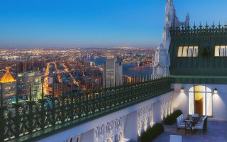 Το εκπληκτικό διαμέρισμα, εάν βρει αγοραστή στην τιμή των 110 εκατ., θα γίνει το ακριβότερο στην ιστορία της Νέας Υόρκης.