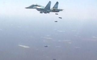 Ρωσικό Σουχόι βομβαρδίζει στόχους του ISIS στην Ντέιρ Ες Ζορ.