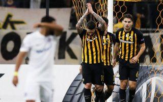 Ο Λιβάγια (αριστερά) σημείωσε και τα δύο γκολ της Ενωσης, η οποία έχασε πολλές ευκαιρίες, όμως πήρε πολύτιμο βαθμό παρά το «στραβοπάτημα».