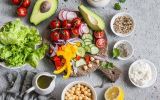 Aναμφισβήτητα οι τροφές που καταναλώνουμε επηρεάζουν την υγεία μας.