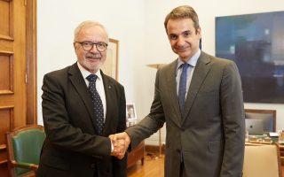 Με τον πρόεδρο της Ευρωπαϊκής Τράπεζας Επενδύσεων Werner Hoyer συναντήθηκε χθες ο πρόεδρος της Ν.Δ. Κυρ. Μητσοτάκης.