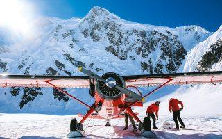 Άφιξη στη βάση του παγετώνα, στα 2.000 μ. υψόμετρο.