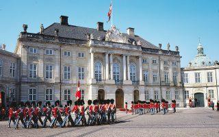 Τα ανάκτορα Amalienborg είναι οι χειμερινές κατοικίες των μελών της βασιλικής οικογένειας της Δανίας. (Φωτογραφία: ©Klaus Bentzen/Copenhagen Media Center)