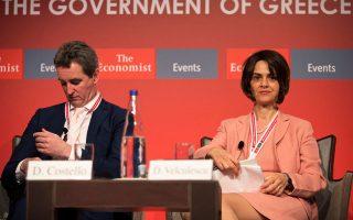 Ο Ντέκλαν Κοστέλο της Κομισιόν (αριστερά) και η Ντέλια Βελκουλέσκου του ΔΝΤ (δεξιά) αναμένεται να θέσουν σειρά ζητημάτων στους αρμόδιους υπουργούς, οι οποίοι φιλοδοξούν να απαντήσουν με ικανοποιητικό τρόπο ώστε να μην υπάρξουν καθυστερήσεις στην τρίτη αξιολόγηση.