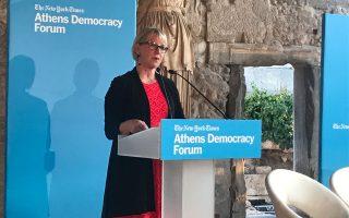 Αντί για στόχους αύξησης αμυντικών δαπανών, πρέπει να εστιάσουμε σε αύξηση των πόρων για εξωτερική βοήθεια, τόνισε η υπ. Εξωτερικών της Σουηδίας Μάργκοτ Βάλστρομ, στην εκδήλωση του Athens Democracy Forum.