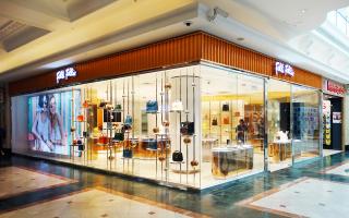 Το νέο Folli Follie Concept Store στο εμπορικό κέντρο Canal Walk του Κέιπ Τάουν.