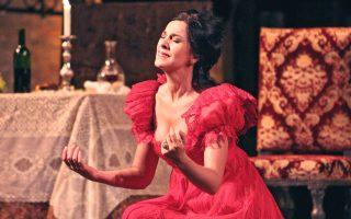 Η Αντζέλα Γκεοργκίου δηλώνει ανυπόμονη να ξανατραγουδήσει για το αθηναϊκό κοινό, δεκαπέντε χρόνια μετά την τελευταία εμφάνισή της στο ρωμαϊκό ωδείο