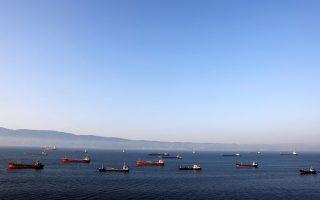 Δεν υπάρχει πλαίσιο ελέγχου στα πλοία που μεταφέρουν πετρέλαιο ναυτιλίας ή μαζούτ.