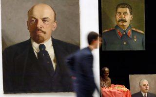 Από την εποχή του Λένιν (αριστερά) και του Στάλιν (δεξιά) μέχρι τη διάλυση της ΕΣΣΔ, οι Σοβιετικοί διακωμωδούσαν τα πάντα. Μάλιστα, 200.000 είχαν βρεθεί στα γκουλάγκ για κάποιο ανέκδοτο!