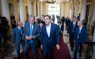 Το «φιλοεπενδυτικό» κλίμα που επιχείρησε να οικοδομήσει ο Αλέξης Τσίπρας (εδώ με τον Ιταλό πρωθυπουργό Πάολο Τζεντιλόνι) μοιάζει να καταρρέει.
