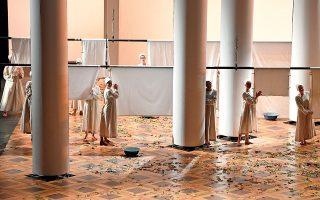 Σκηνή από την όπερα του Τσαϊκόφσκι «Ευγένιος Ονιέγκιν» στο Θέατρο Στανισλάφσκι. (Φωτογραφία: © AFP/VISUALHELLAS.GR)