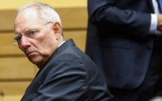 «Ο Σόιμπλε  (φωτ.) δεν κατάφερε να επιβληθεί στη Μέρκελ σε πολλά ζητήματα της ευρωπαϊκής πολιτικής», είπε ο επικεφαλής του κόμματος των Ελευθέρων Δημοκρατών Κρίστιαν Λίντνερ σε συνέντευξή του στην εφημερίδα Handelsblatt.