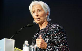 Η κ. Λαγκάρντ θεωρεί ότι η τεχνολογία των χρηματοπιστωτικών υπηρεσιών δημιουργεί εμπόδια και προκαλεί σύγχυση στον κλάδο. Ενας από τους λόγους είναι ότι η νέα τεχνολογία μειώνει δραστικά το κόστος της οποιασδήποτε τραπεζικής συναλλαγής όπως τη γνωρίζουμε και τη διεκπεραιώνουμε μέχρι σήμερα.
