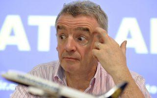 Ο Μάικλ Ο' Λίρι της Ryanair, ο οποίος αγνοούσε συστηματικά τα αιτήματα των πιλότων του, με την επιστολή που τους στέλνει, προσφέρει μπόνους έως και 12.000 ευρώ.