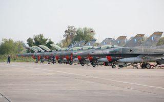 «Επιβεβλημένη» χαρακτήρισε η Πειραιώς την αναβάθμιση της επιχειρησιακής δυνατότητας των μαχητικών αεροσκαφών F-16, ωστόσο άφησε αιχμές για τους κυβερνητικούς χειρισμούς.