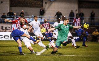 Ο Νίκος Παπαδόπουλος τερματοφύλακας της Λαμίας, έκλεισε τον δρόμο του Πανιωνίου προς τα δίχτυα και η νεοφώτιστη ομάδα, με εντυπωσιακό γκολ του Μάρκο Μπλάζιτς στο 78΄, νίκησε με 1-0 και σκαρφάλωσε στην 9η θέση της βαθμολογίας της Σούπερ Λίγκας.