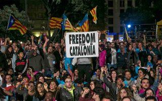 vythismeni-stin-politiki-krisi-i-ispania-amp-8211-anoichti-pligi-to-dimopsifisma-stin-katalonia0
