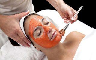 Αφαιρεί τόσο την κούραση όσο και τις ρυτίδες από το πρόσωπό σας και το δέρμα σας είναι πιο σταθερό, ελαστικό και μαλακό.