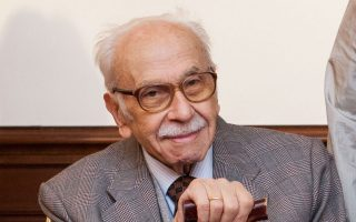 Δημήτρης Φραγκόπουλος, επί δεκαετίες διευθυντής στο Ζωγράφειο στην Πόλη.