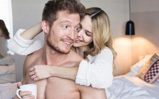 Σύμφωνα με μία νέα έρευνα, το σεξ, με συχνότητα τουλάχιστον μία φορά την εβδομάδα, μπορεί να επιβραδύνει τη γήρανση του γυναικείου οργανισμού.