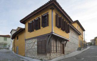 ΤοΜουσείο Μετάξης στο Σουφλί αναδεικνύει το σημαντικό μεταξοπαραγωγικό κέντρο της Ελλάδας στα τέλη του 19ου - μέσα του 20ού αιώνα.