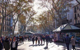 Η αβεβαιότητα για το πολιτικό και οικονομικό μέλλον της Καταλωνίας οδήγησε στην απόλυση 14.698 εργαζομένων τον Οκτώβριο.