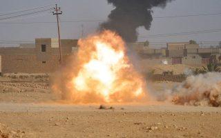 Πυρά κατά θέσεων του Ισλαμικού Κράτους στην Αλ Κάιμ του Ιράκ.