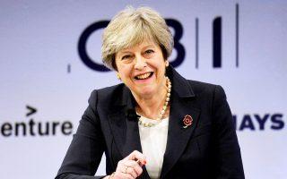 Η Τερέζα Μέι επανέλαβε χθες την επιθυμία της να υπάρξει σύντομα μεταβατική συμφωνία με την Ε.Ε., ώστε να εξακολουθήσουν να λειτουργούν οι εγχώριες επιχειρήσεις μέχρι να καταλήξουν Λονδίνο και Βρυξέλλες σε ένα νέο πλαίσιο εμπορικών σχέσεων μετά το Brexit.