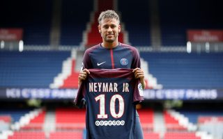 Ακριβότερος ποδοσφαιριστής είναι ο Νεϊμάρ με εκτιμώμενη αξία στα 217,5 εκατ. ευρώ, όμως η Παρί δεν είναι καν στην πρώτη πεντάδα των ακριβότερων ρόστερ...