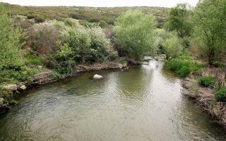 Οι επιστήμονες θα συλλέξουν δείγματα από τρεις πηγές: ύδατα και ιζήματα από τη λεκάνη του ποταμού, τον υπόγειο υδροφορέα και νερό από πηγές.