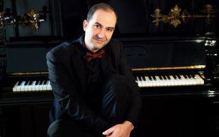 Ο Aρης Γραικούσης  δίνει αύριο συναυλία με έργα Σοπέν.